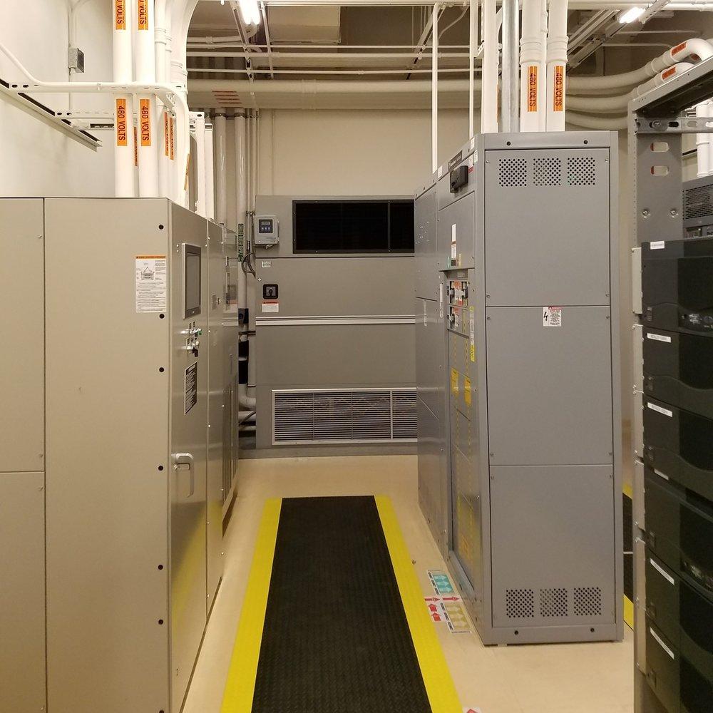 VZW Rocklin 1 Electrical Room - CRAC Unit - Swithgear.jpg