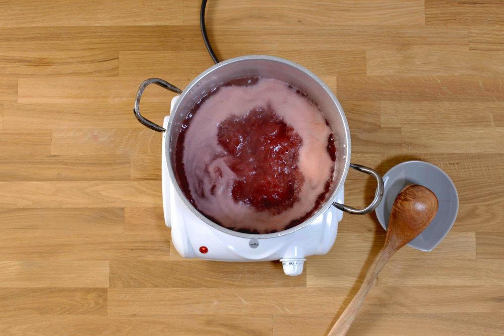 rips-bringebær-saft.jpg
