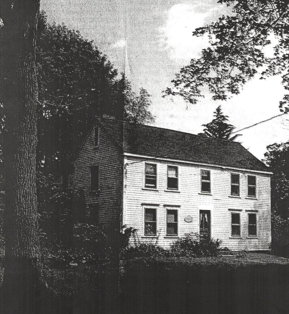 The Peletiah Morse Tavern (built 1748) on Eliot Street, where the South Natick militia gathered.