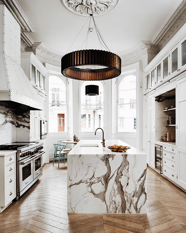 #regram #repost from @houseandgardenuk  This kitchen designed by @madduxcreative is this week's #inspiration  Every detail in this kitchen maximizes the space's potential, while complementing the architectural integrity of the home. Well done, we love it. #interiordesign #interiors #decor #decorcrushing #kitchendesign #kitchen #marble #architecture