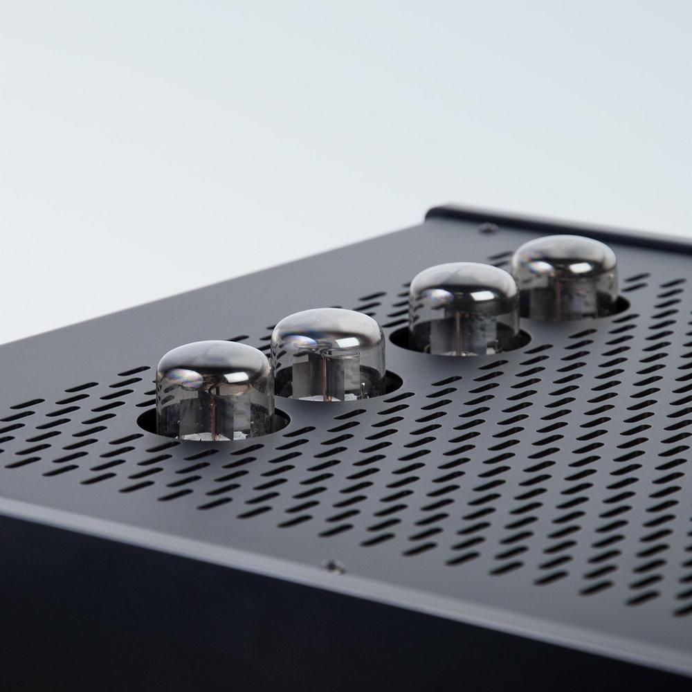 LTA Zotl 40 Amplifier