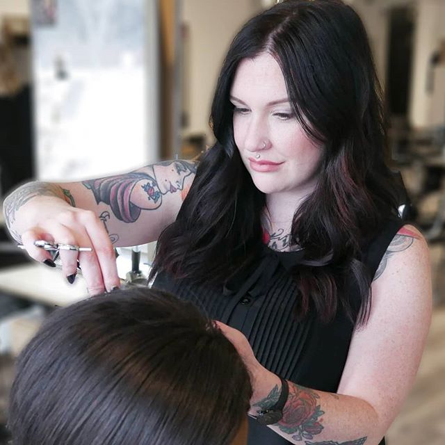 Start your 2019 STRONG with Kelsey! 😊 Book your next appointment online or over the phone . . . #hair #yeghair #edmontonhair #hairsalon #hairstyles #edmontonsalon #yeg #yeggers #igyeg #avenuesalon #avenuesalonedmonton #aveda #edmonton #avedaedmonton #sherwoodpark #sherwoodsalon #sherwoodparkhair #sherwoodhair #modernsalon #livedinhair #hairdresser #worldofhairdressers #edmontonstyle #yegstylist #edmontonfashion #edmontonhair #behindthechair #licensedtocreate