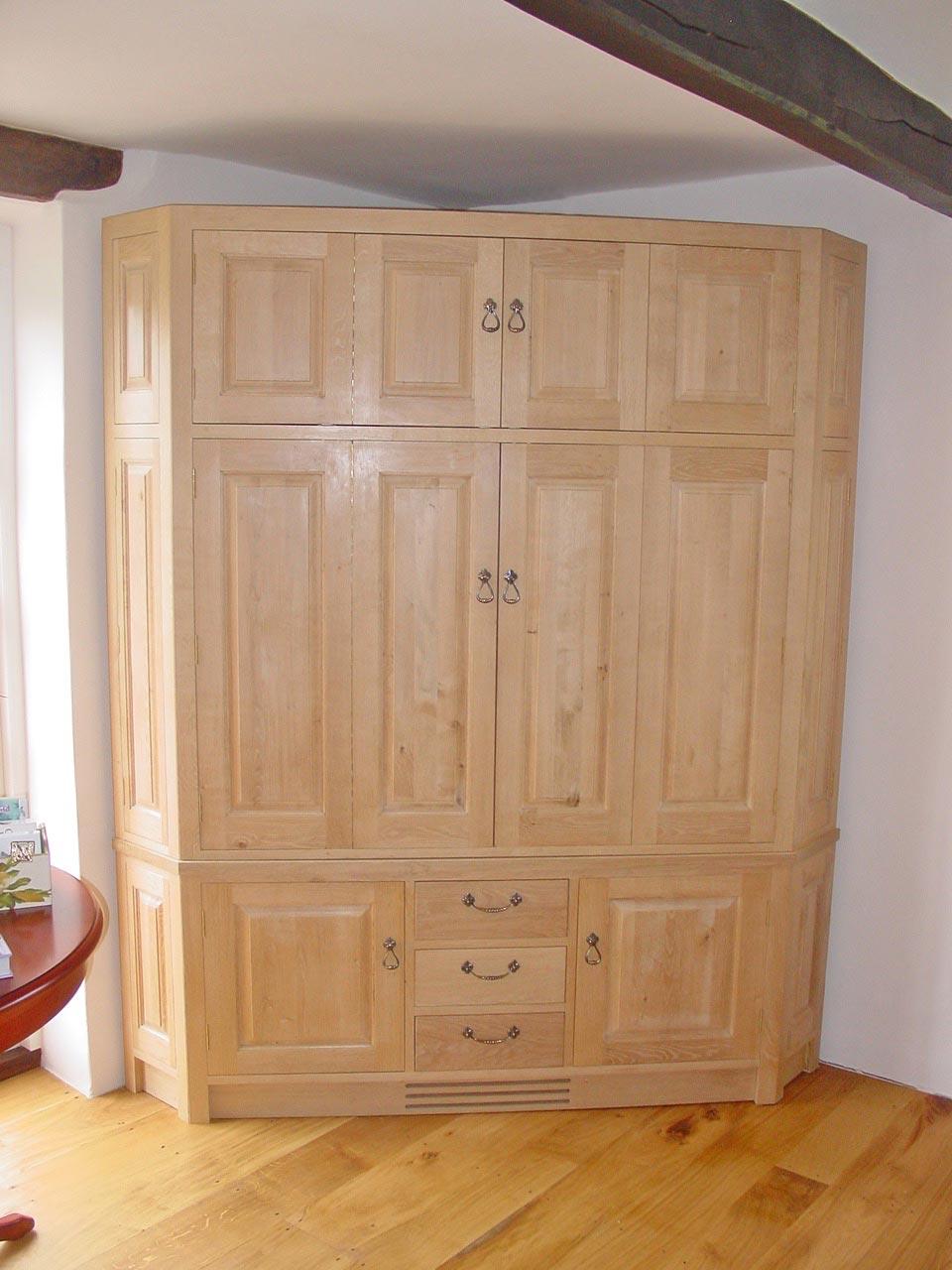 corner-cabinet-04.jpg