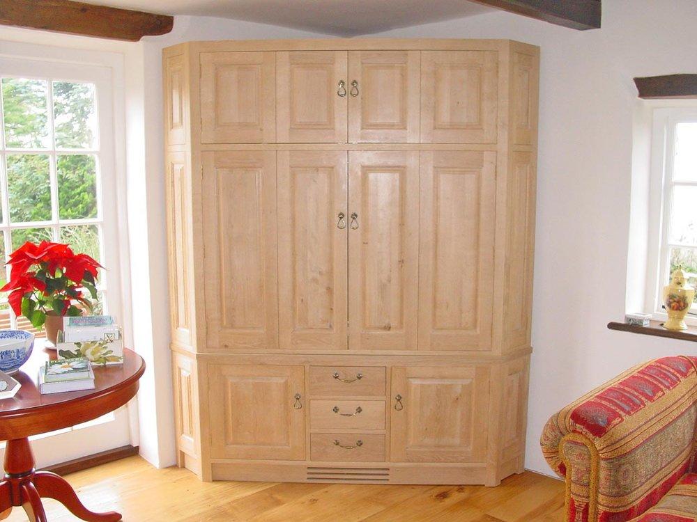 corner-cabinet-06.jpg