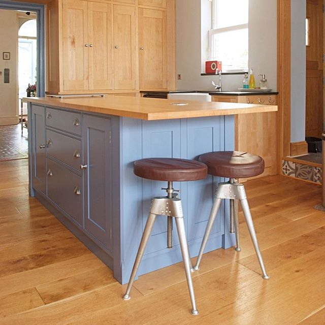 One of my recent kitchens -maple and painted with a centre island.