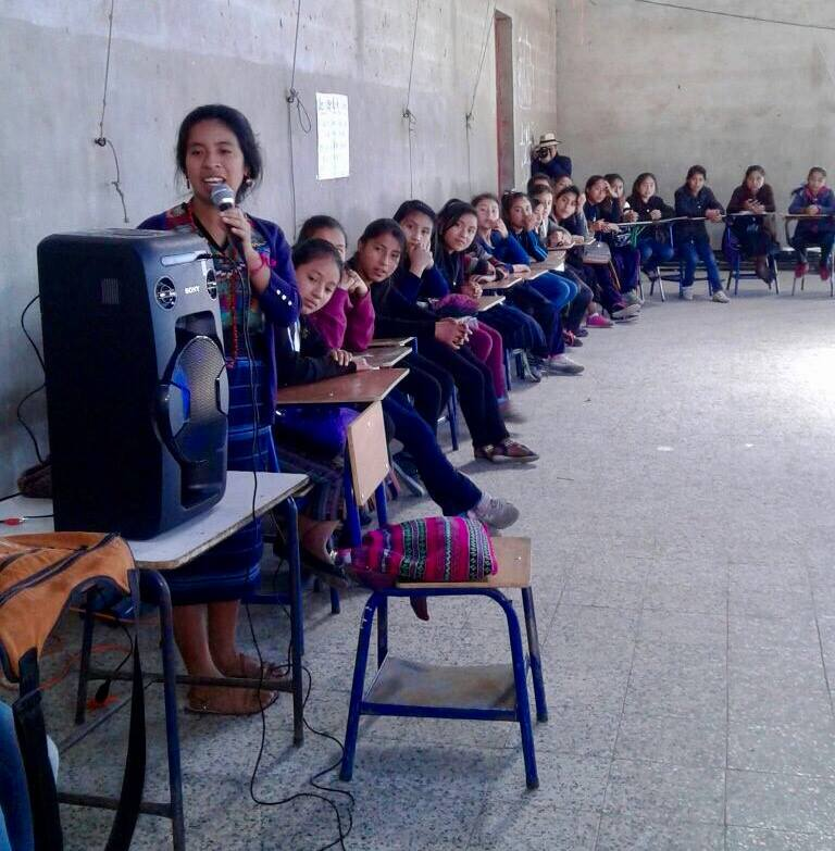 Sara Curruchich visited the Girl Pioneers during Escuela Estrellita in 2017!