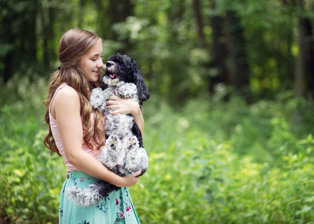 Senior Session with dog | Kelly Rhoades Photography