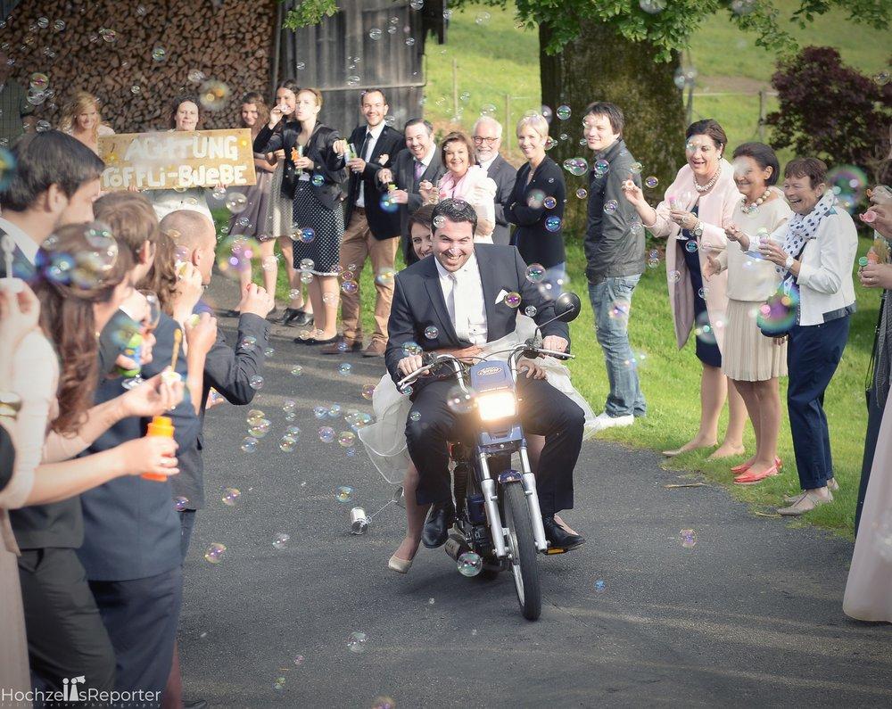 Hochzeitsfotograf_Bern_Thun_093.jpg