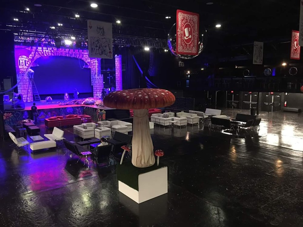 wonderland-party-theme-props-mushroom.jpg