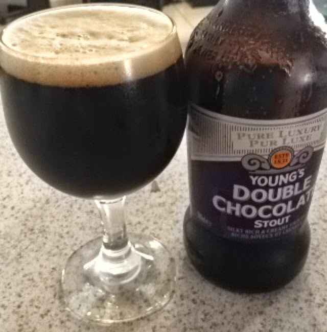 CERVEZAS CON PRONUNCIADA DULZURA RESIDUAL - Young's Double Chocolate Stout tiene bastante dulzura residual. Además, tiene chocolate dentro de sus ingredientes.