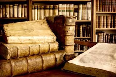 antique-books-620x412.jpg