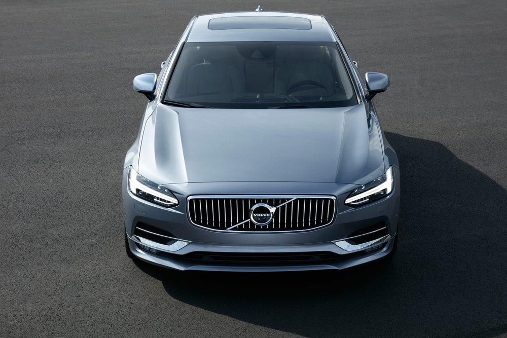 170100_Volvo_S90.jpg