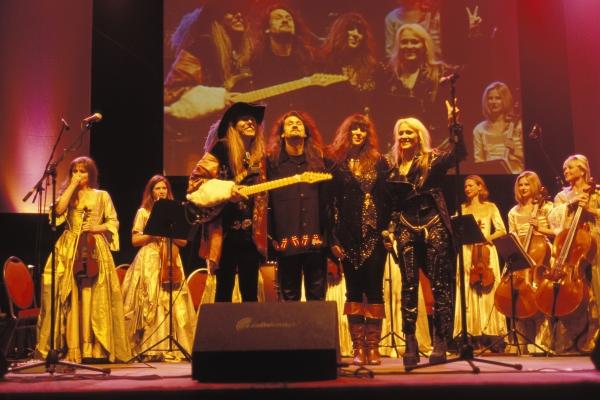 """ROCK MEETS RENAISSANCE"" & VICTOR SMOLSKI, LIZ VANDALL & DORO PESCH - SKY ORCHESTRA SCHLOSS BECK, Bottrop, Germany, 9. October 2004"
