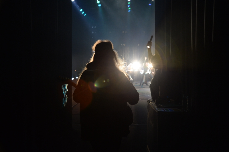 Uli entering the stage for the encores at Sun Plaza Hall - Tokyo, February 2015 (photo by M Ariga)