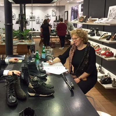 Anneke - Is heel ondernemend, creatief en modegevoelig. Maakt graag toekomstplannen. Bomvol met nieuwe ideeën. Veel gevoel voor mensen.