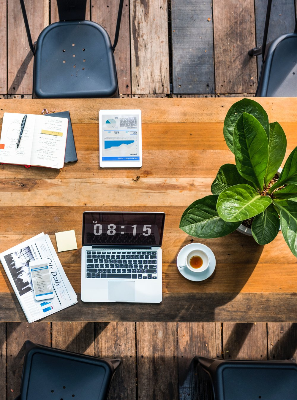 digital nomad work desk