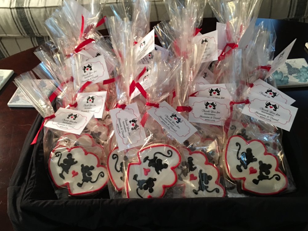 Mickey and Minnie Cookie Favors! - These were honestly as delicious as they are pretty! Each guest received a cookie favor before they left!
