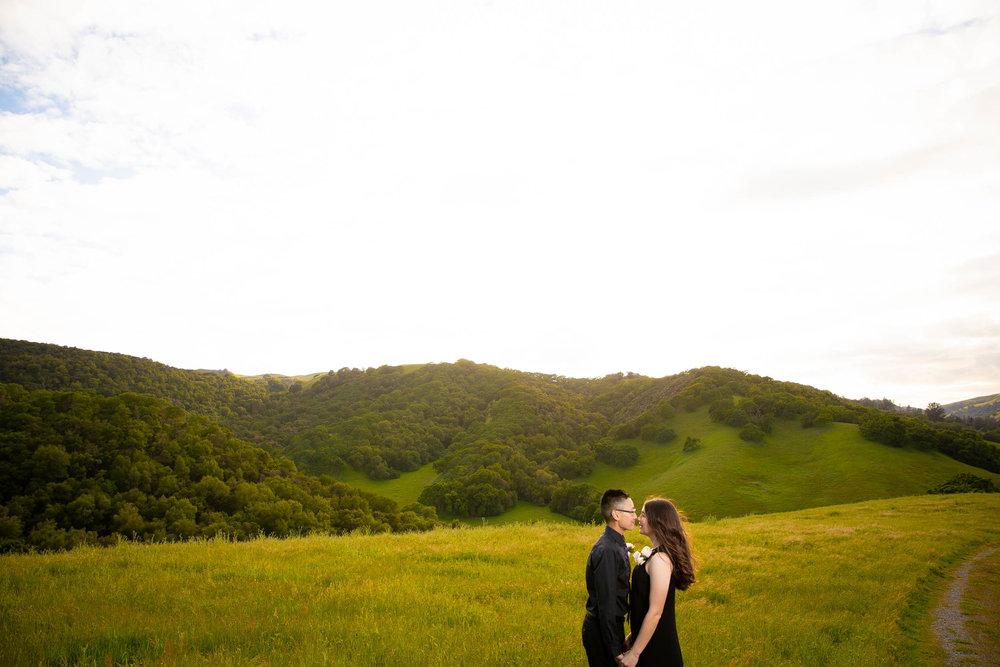 Briones-park-engagement-photos-4.jpg