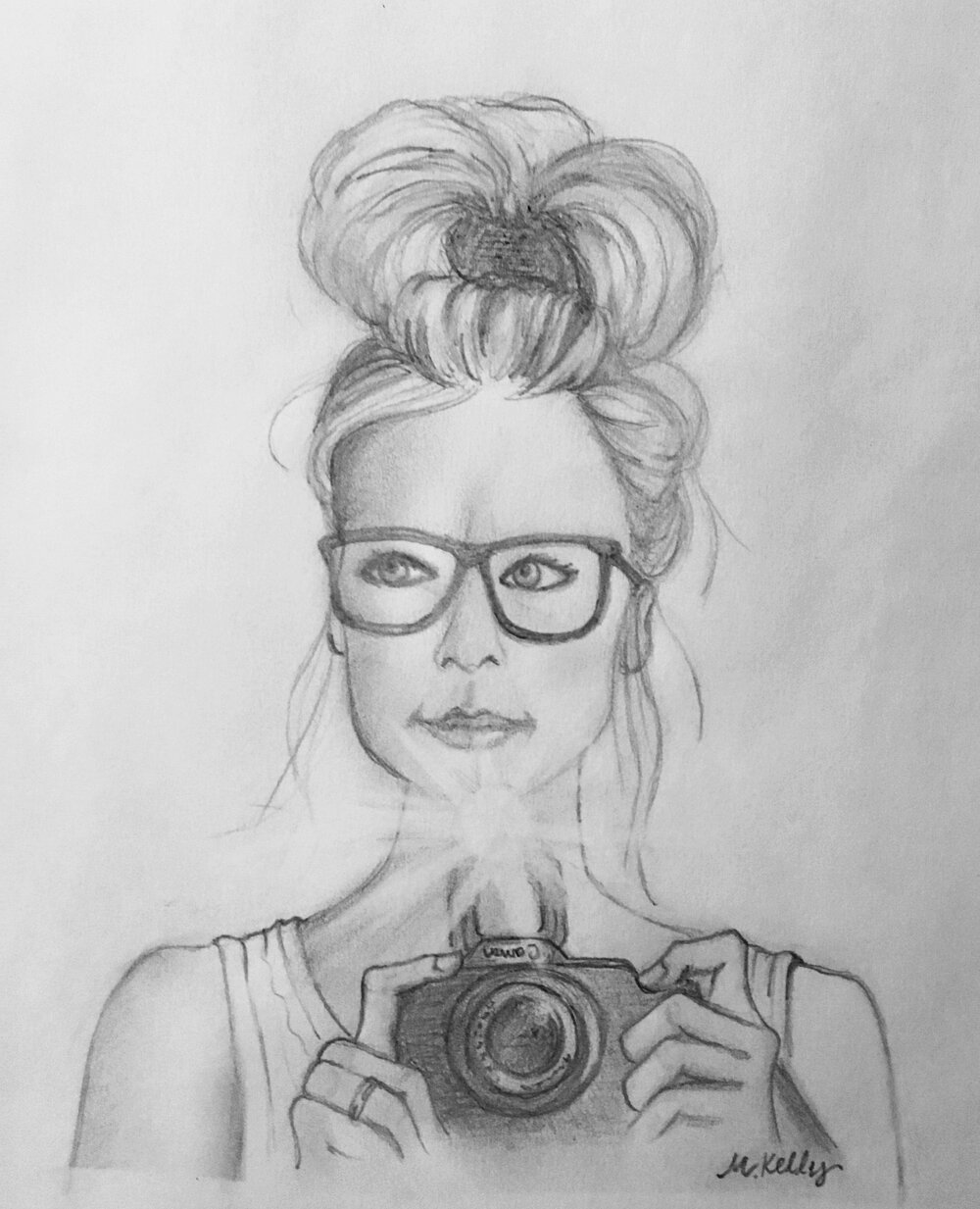 girl with camera, © 2019 marykellydesigns