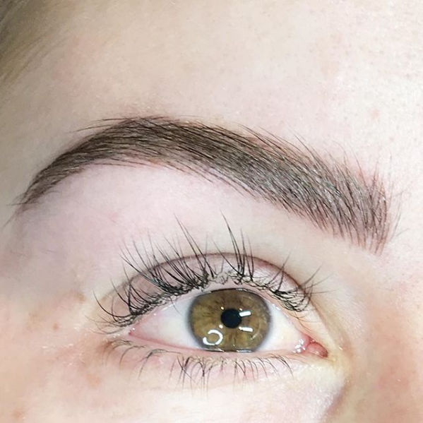Extremely natural feathered eyebrows are actually possible!
