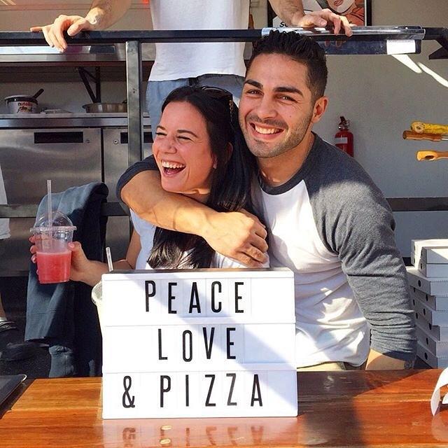 ⠀ Flashback to 2015! Same team same dream PEACE LOVE AND PIZZA ⠀ 📷 @lygbiza ⠀ .⠀ .⠀ .⠀ ⠀ ⠀ #happyaslarrysydney #happyaslarrypizzatruck #happyaslarryfoodtruck #italianfood#italiancuisine #sydneylocal #sydneyfoodie #sydneyeats #sydneyfood #sydneyfoodies #sydneyfoodblogger #sydneyfoodshare #delicousfoods #goodfood #sogood #sydneyeats #zomatoaus #broadsheetsydney #urbanlistsydney #buzzfeedfood #foodpornshare #doosandtravel #dailyfoodfeed #concreteplayground