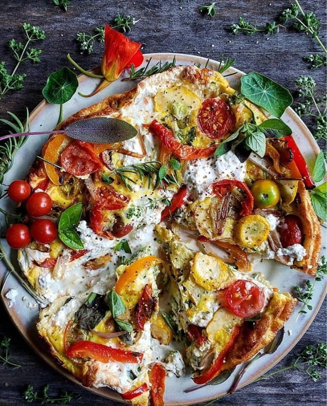 Time for a midweek pick-me-up! Summer Vegetable Frittata w/ Fresh Herbs & Ricotta recipe by @lorindabreeze. I could look at this beauty all day... or shall I say, eat all day 😉 Because its made with eggs it's a fresh and light, topped with colorful tomatoes and basil. Try this recipe with @kitehill almond milk ricotta for a dairy free version! | 📷 and recipe credit: @lorindabreeze