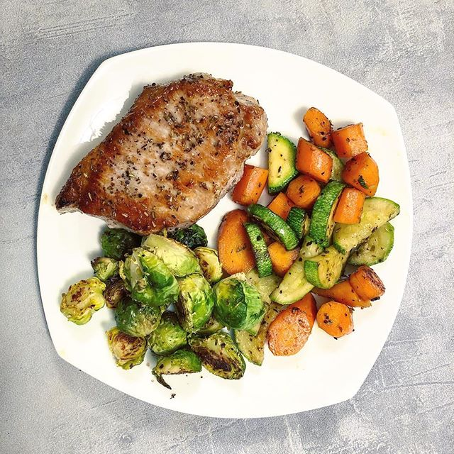 Loving @butcherbox, especially this juicy pork chop 🤤 We don't buy pork often, but all Butcher Box meat comes from organic and sustainable farms—keep it coming! Seared both sides to brown and then finished up in the oven at 350° Then found all the veggies I could and fried them up in a cast iron with a little coconut oil. #offthebeetenplate • Pork tip: Season and sear around the edges, too. It renders the fat and makes the edges even tastier 🤗 . . . #instafood #cleanfood #healthyfood #fitnessfoods #healthier #cleaneating #healthylifestyle #yummylicious #glutenfreelife #dairyfreelife #simplerecipes #instafit #nutrition #plantbased #whole30 #healthyrecipes #healthyweightloss #foodbloggerpro #realfoodz #porkchops #meatlover #paleorecipes #paleolifestyle #brusselsprouts #healthydinner #butcherbox