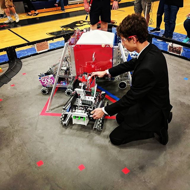 Bring your #robots ready to compete in our third meet for the season at Charlotte High School in Punta Gorda on January 12th! #ftcrobotics #STEM  #ftc #TBTA https://www.tbtaonline.org/new-events/2019/1/12/pinellas-meet-3