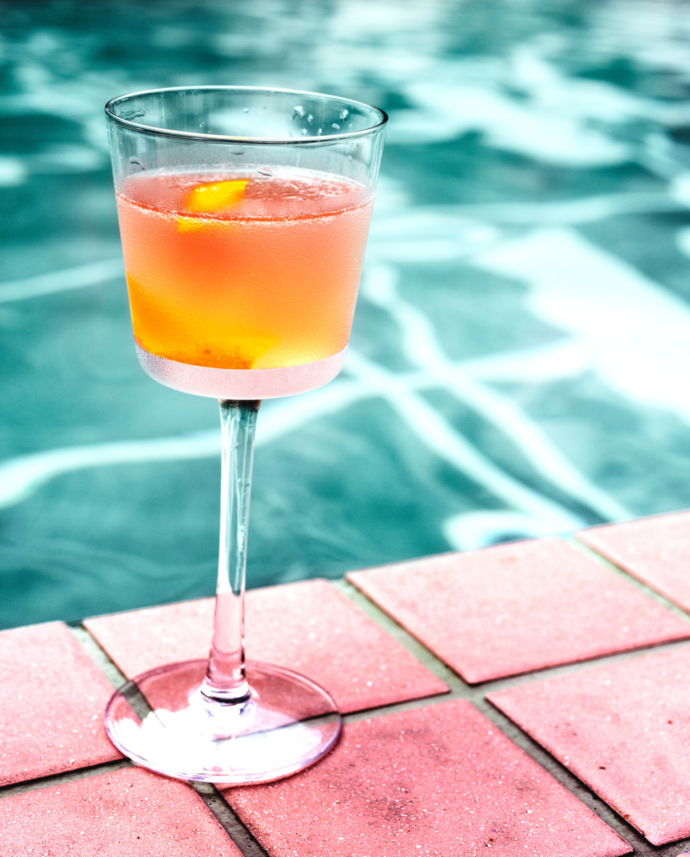 alcoholic-alcoholic-beverage-aqua-1487957.JPG