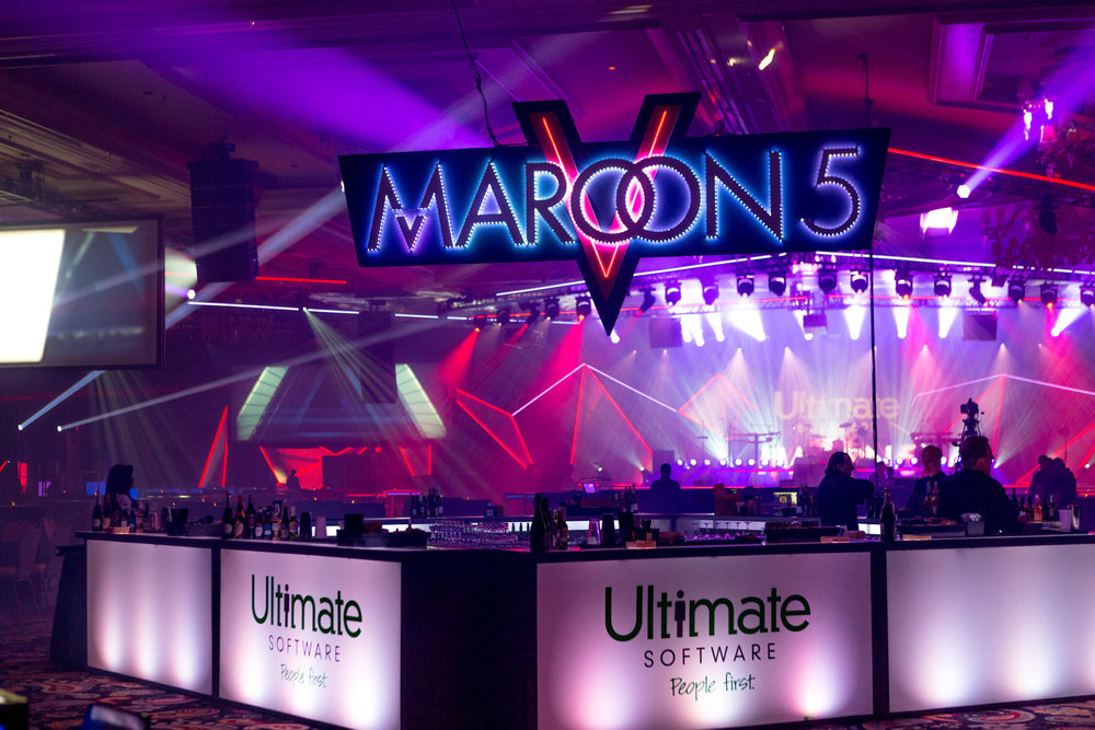 1. THUMBNAIL maroon 5 band performance.jpg