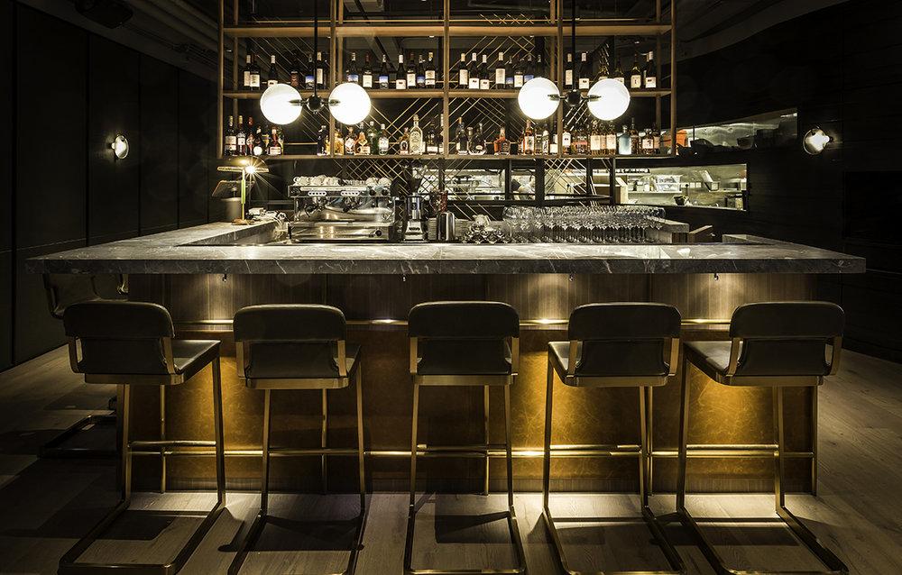 Hunter - Bar Interior s.jpg
