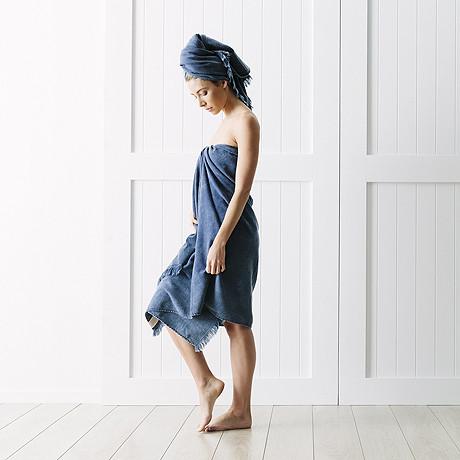 bath-sheet-indigo-bath-sheet-by-the-beach-people-816281.jpg