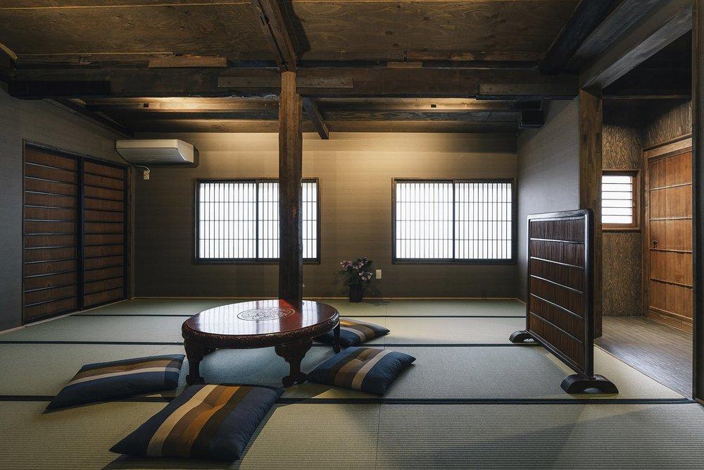 Quadruple Suite - Room 1.jpg
