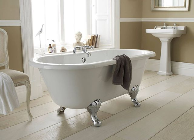 It's National Relaxation Day - so why not celebrate by having a good soak in the tub! 😌🛀🏾 . . . . . #nationalrelaxationday #bathroom #willenhall #bathroomremodel #bathroomrenovation #bathroomdecor #bathtubgoals #BathroomInspo #bath #homedecor #tile #dreambathroom #goals #inspiration #sink #dudley #birmingham #shower #showergoals #bathroomgoals #radiator #style #stylish #modern #dreamy #pinterest #doccia #radiator #towelrail