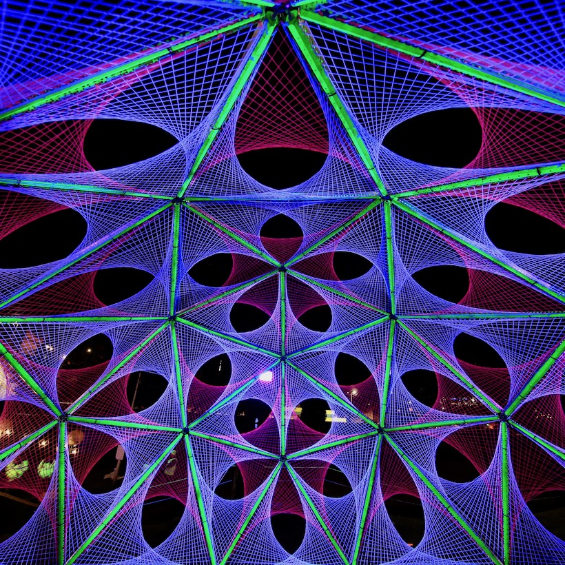 2-light-art-black-ultra-violet-parabola-spectra-aberdeen-dome-hubs.jpg