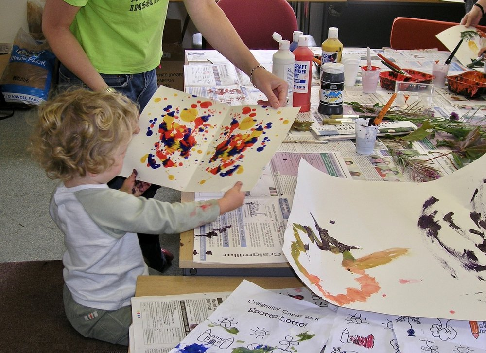 3-painting-kids-art-craigmillar-castle-edinburgh.jpg