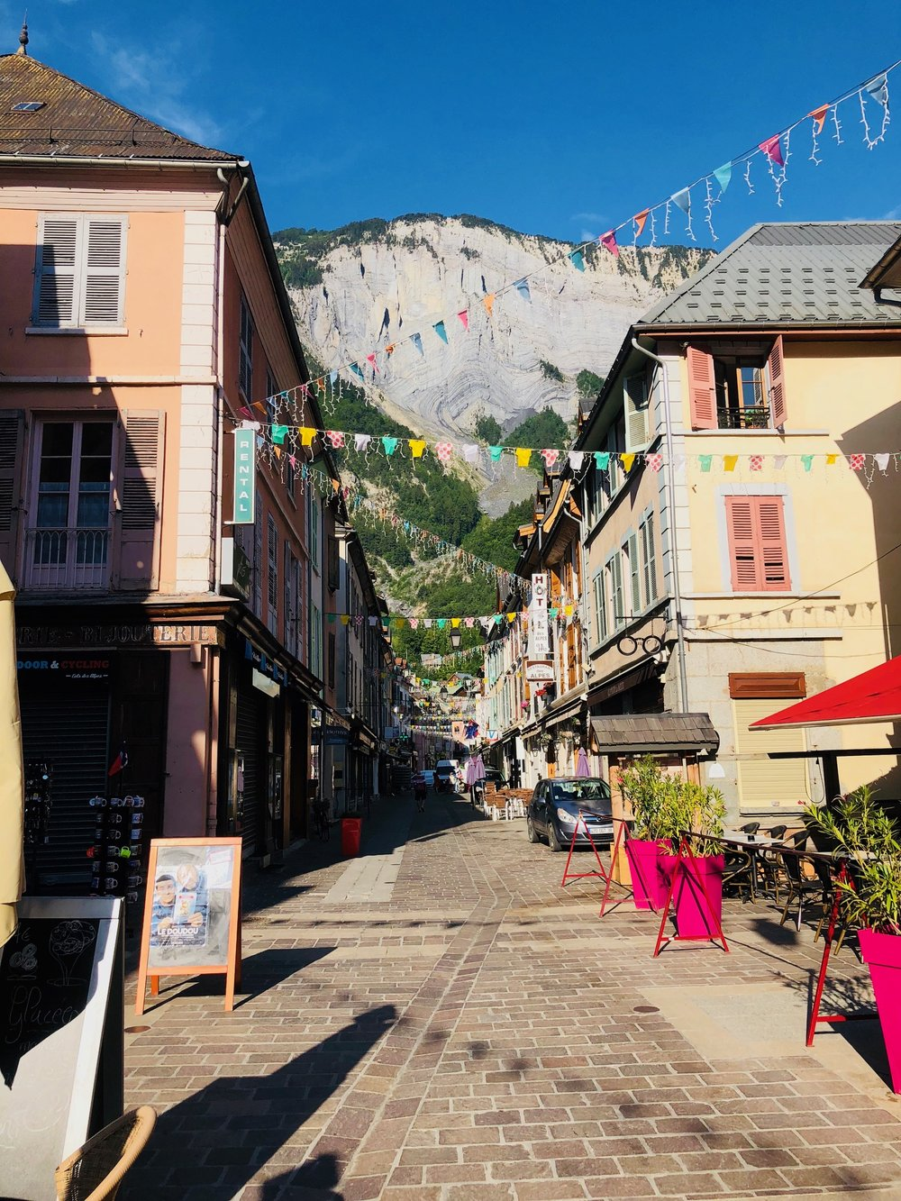 Le Bourg town photos.jpg