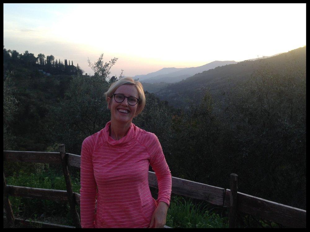 Gayle Taylor - Ontdek Oisans  Met een passie voor de bergen hou ik ervan om te wandelen, hardlopen, skiën en fietsen in de prachtige bergen van de Oisans, mijn thuis sinds 2012.  Ik werk sinds 1999 in de reisbranche en daarnaast in de actieve reissector voor het organiseren en beheren van vakanties voor fietsers en wandelaars in Europa.