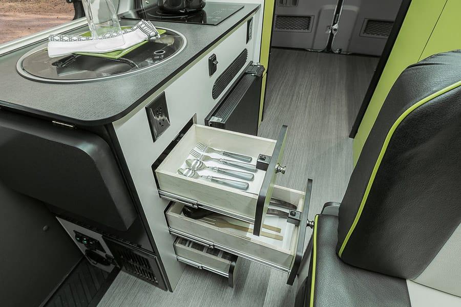 rv-drawers-18.jpg