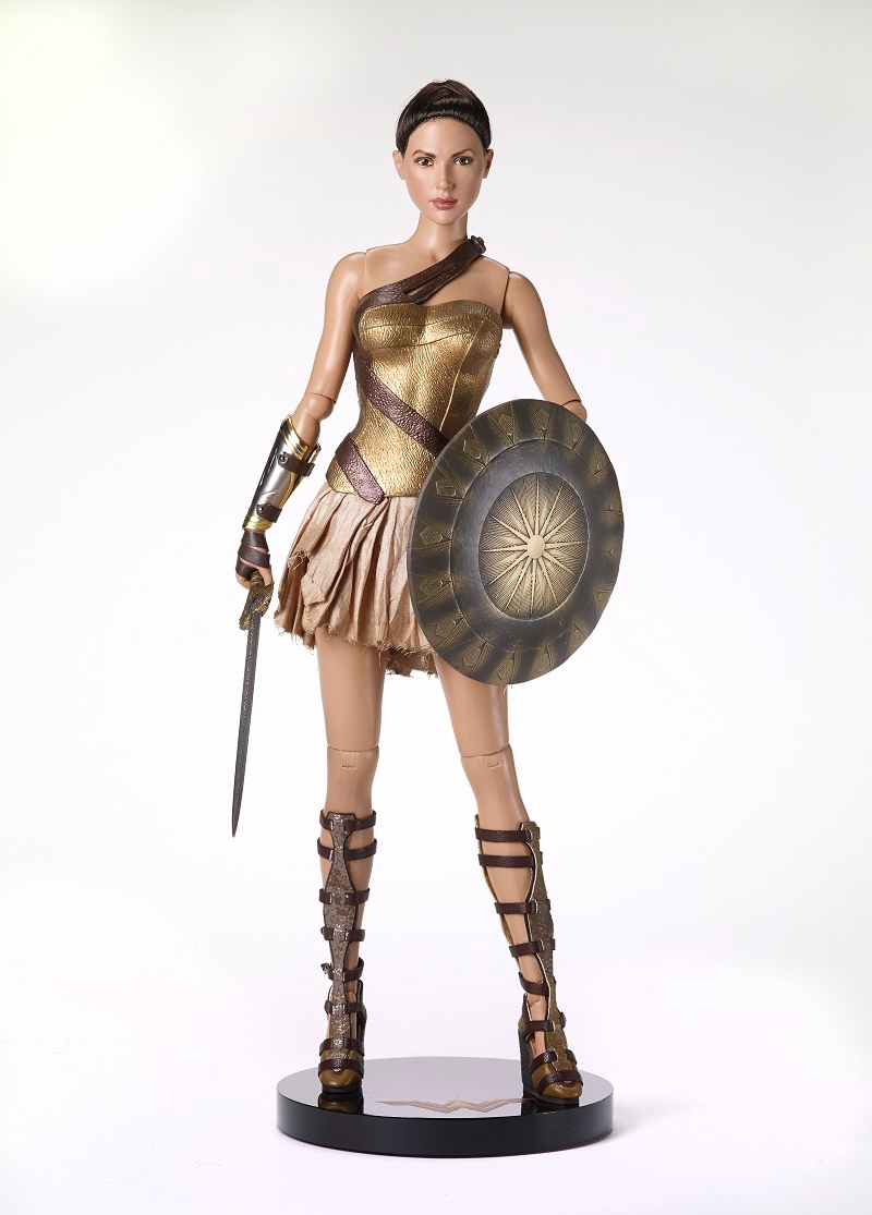WONDER WOMAN TRAINING ARMOR DELUXE SET Includes Training Armor Doll, Sword and Shield Set, and Wonder Woman Stand Regular Price: $310   SALE PRICE $249.99