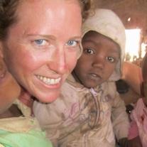 Claire Mathews   Irland,  volunteermaasai.org