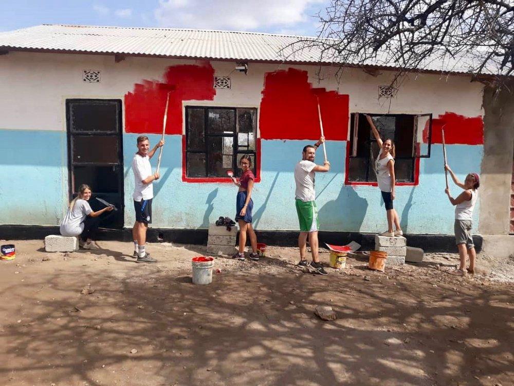 Volunteering in Tansania - Ihr habt Lust die Schule direkt vor Ort kennen zu lernen und zu unterstützen? Schreibt uns… wir brauchen immer Unterstützung!Mehr Erfahren