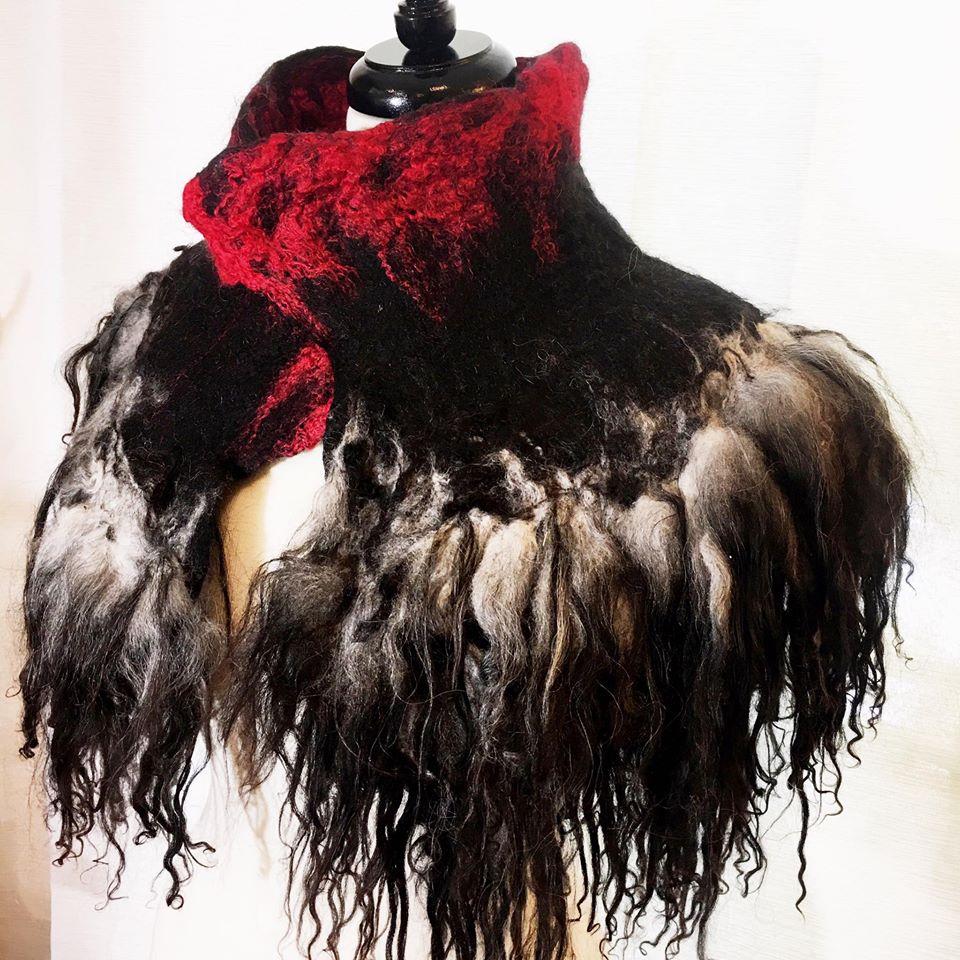 Red Queen collar.jpg