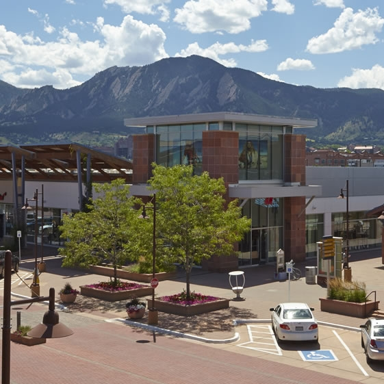 Twenty ninth street mall -