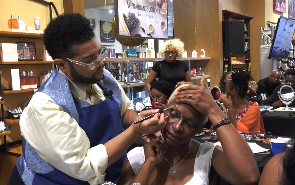 Celebrity Make Up Artist Derrick Rutledge - Teaching PYP Master Class In Make Up Application