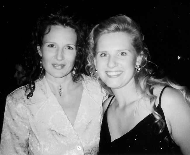 [115].Laurie 2002.jpg