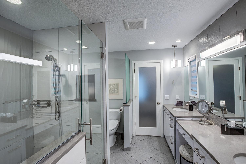 Modern Master Bath Interiors By Jcurry Llc - Modern-master-bathroom