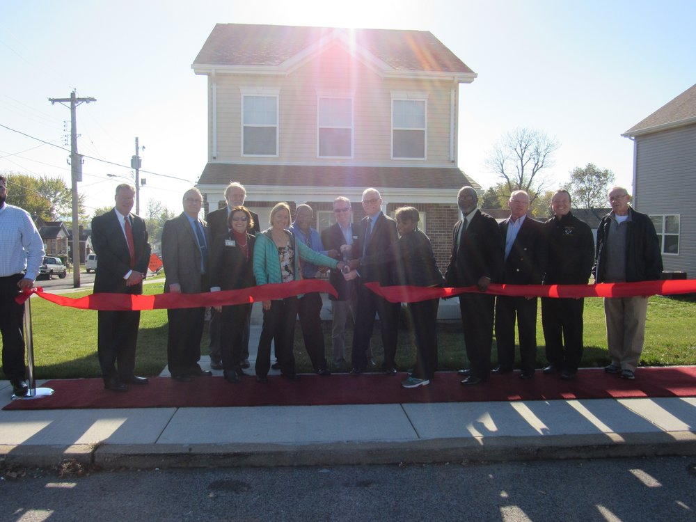 Ribbon cutting for Lemay Homes, 2016
