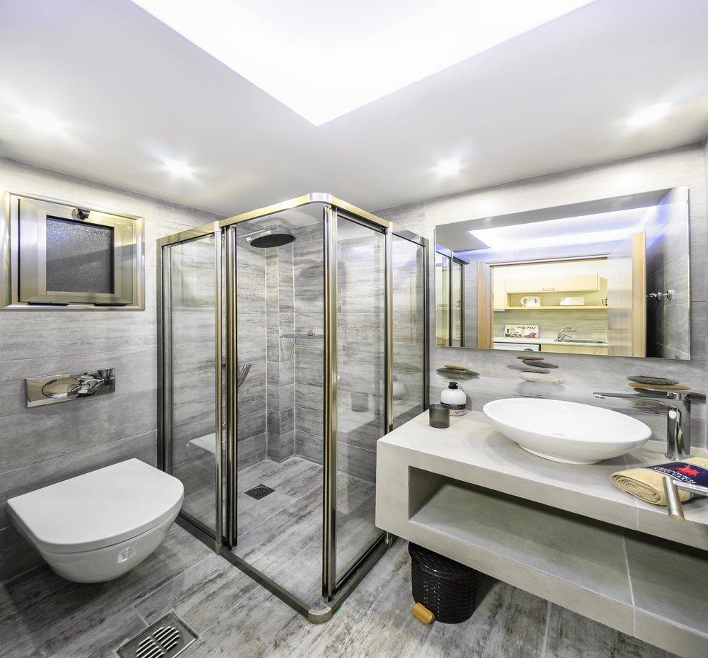 04-bathroom-1-min.jpg