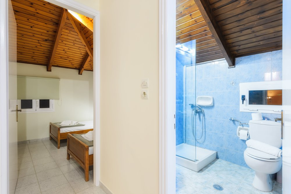 bathroom-1-min.jpg